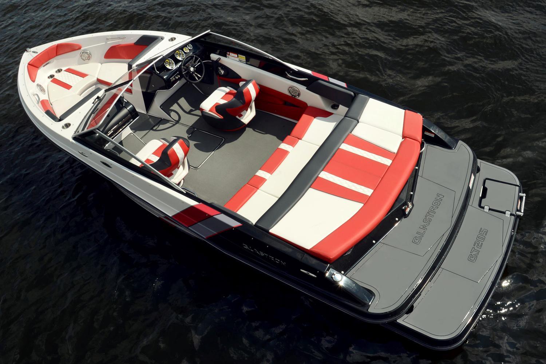 Glastron GTS 225 Hi-HP | Luxury Boat Rentals Muskoka