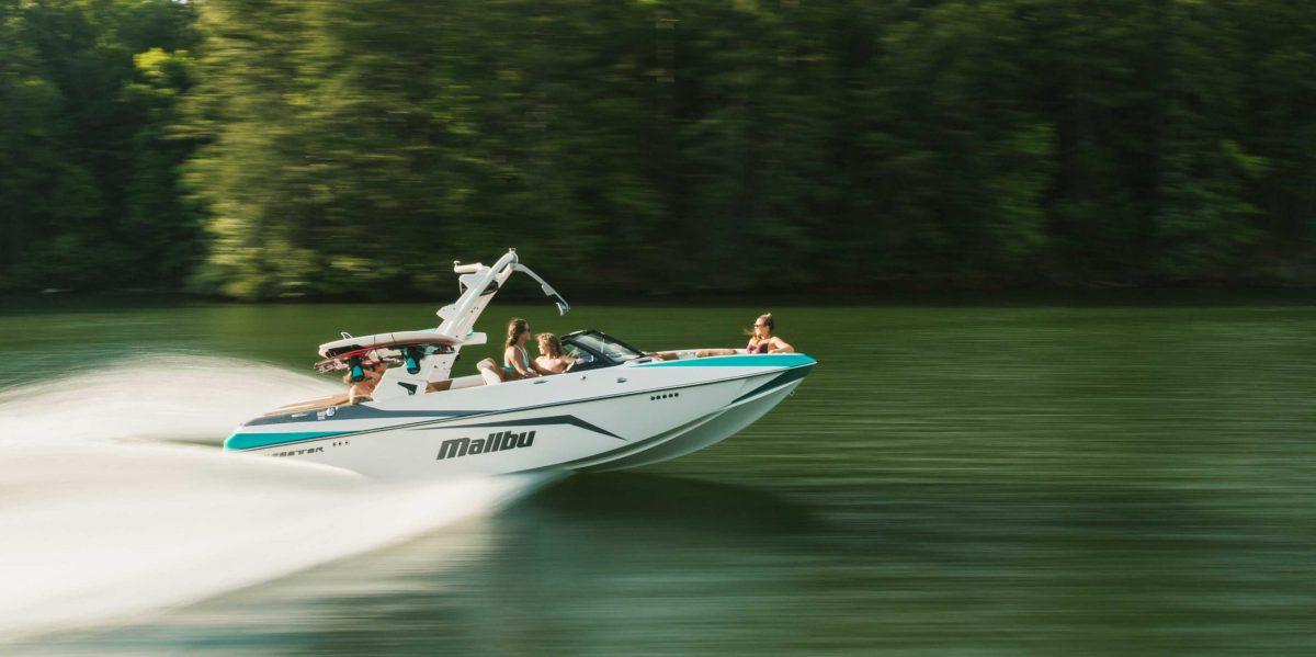 Malibu 21 VLX  21 Feet – 360 hp